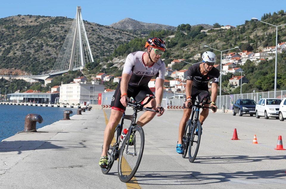 du_thriatlon biking