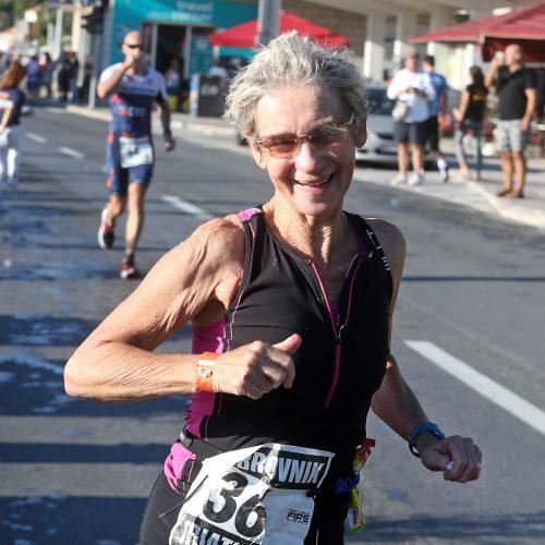 du_thriatlon lady running
